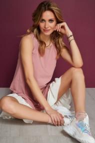 Krējuma-rozā krāsas kleita