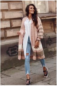 Gaiši rozā džemperis