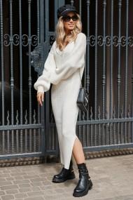 Balta, adīta kleita